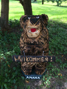 Small Chainsaw Carving - Bear with Willkommen Sign - Amana, Iowa - 900x1200