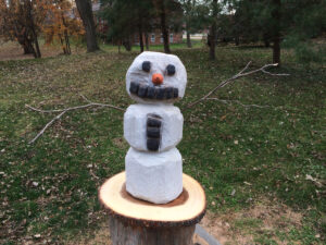 Traditional Snowman Chainsaw Carving by Bob Ward - Colony Carvers - Amana, Iowa - 1200x900